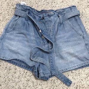 High waisted American Eagle Mom shorts